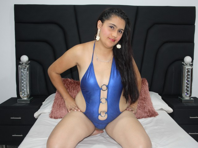 Miadeluxe live sexchat picture