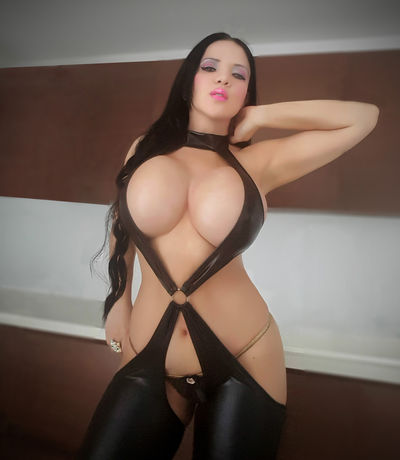 Nickitalatinass live sexchat picture