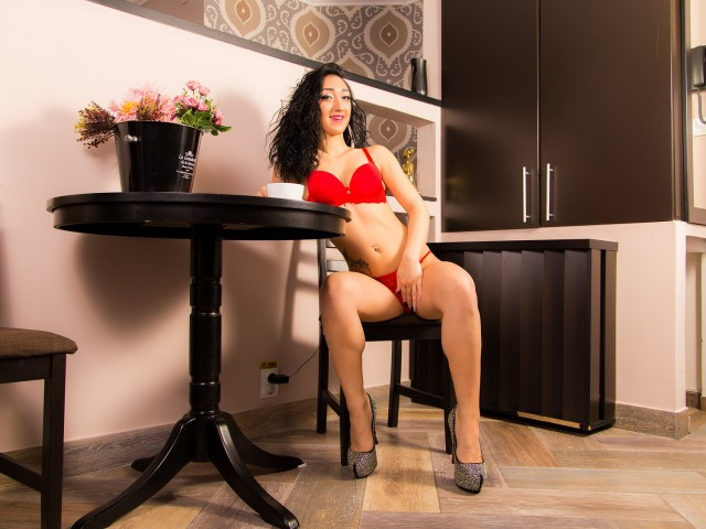 CandyDollOn live sexchat picture