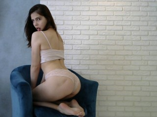 Your_Cute_Aliss live sexchat picture