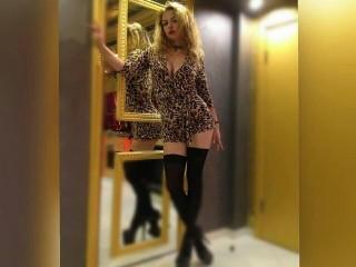 KatieXGold live sexchat picture