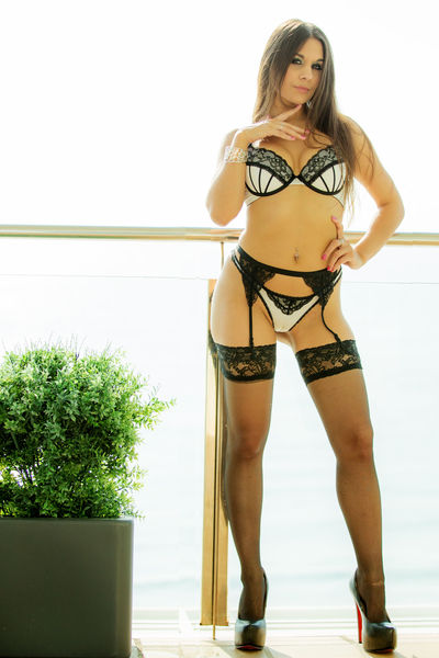 ClaraFRENCH live sexchat picture