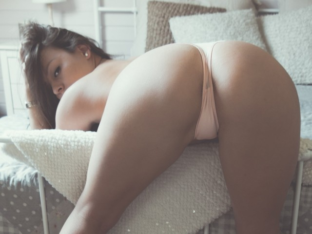 SurayaStars live sexchat picture
