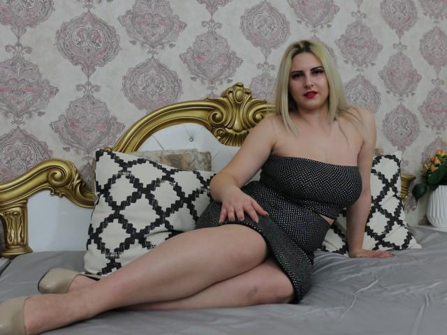 MiraHaze live sexchat picture