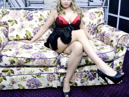LucyLoo live sexchat picture