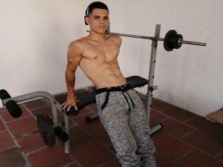 MUSCLATHOT live sexchat picture