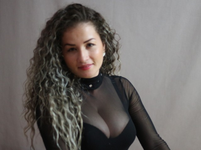ChriisBlond live sexchat picture