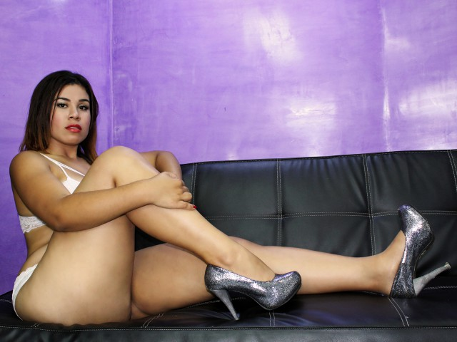 emacollyns live sexchat picture