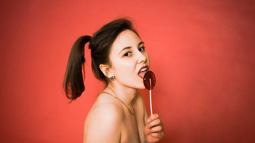 CarolineCruzX live sexchat picture