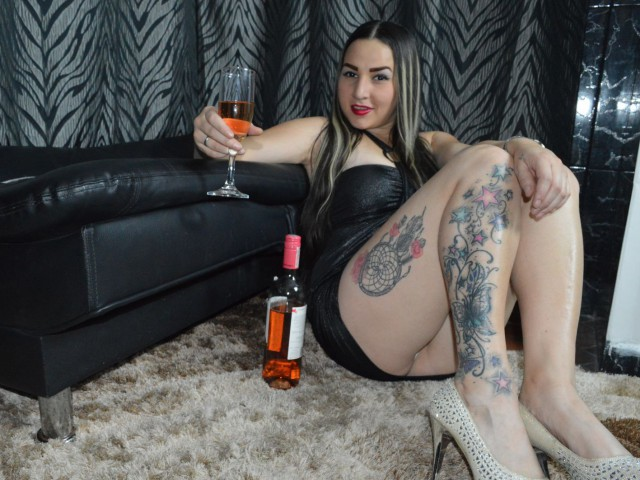 DulceMariaF live sexchat picture