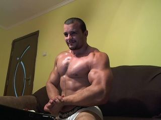 HugeArms live sexchat picture