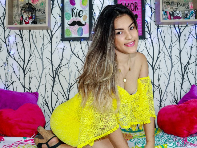 KatalinaGuz live sexchat picture