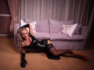 GloriaGodessTSS live sexchat picture