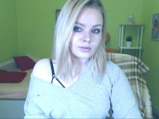 xBella_Blondie live sexchat picture