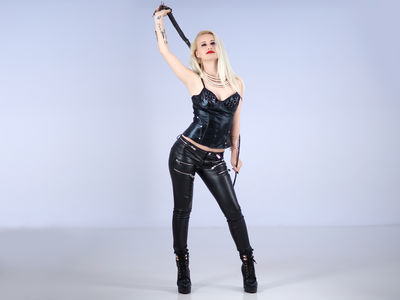 LuxurySubSin live sexchat picture