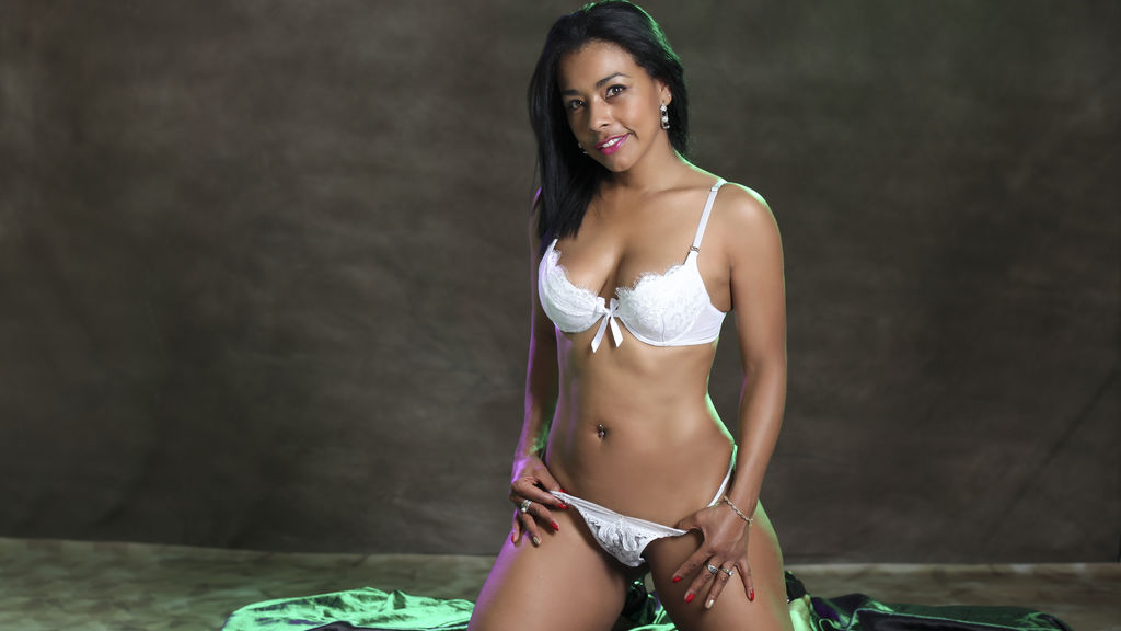BonhySweet live sexchat picture