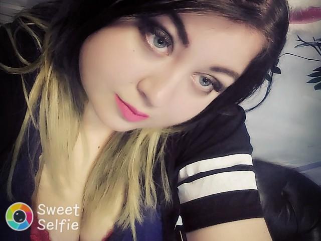 SwettiRose live sexchat picture
