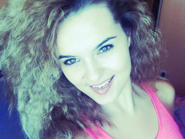 Amyna25 live sexchat picture