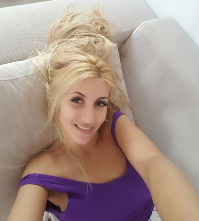 HotSerene live sexchat picture