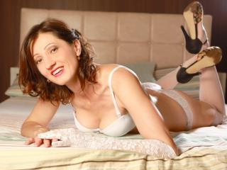 OneSpecialCerise live sexchat picture