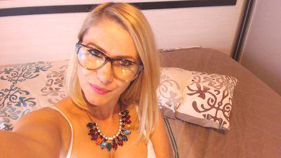 SandraXOXO live sexchat picture