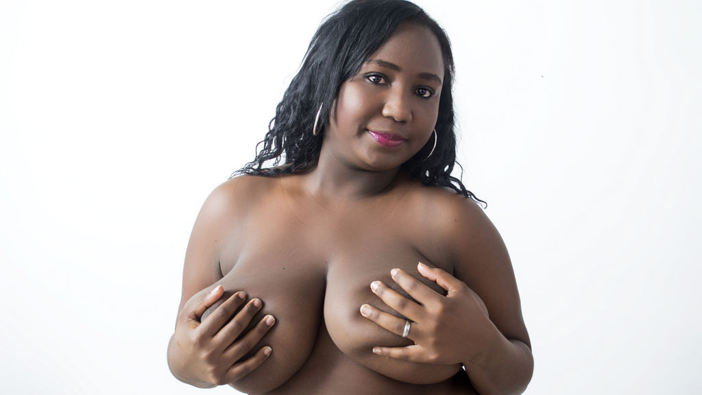 SWEETBLACKONE live sexchat picture
