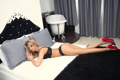 monyquex live sexchat picture