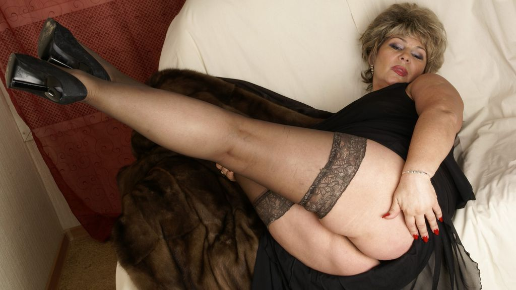 Mature Cams Ladies In Live Chat Rooms