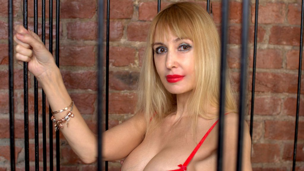 BlondySexyLadi live sexchat picture
