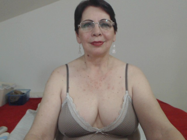 sexygranyR live sexchat picture