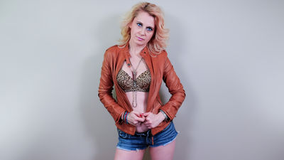 DesireedGoldd live sexchat picture